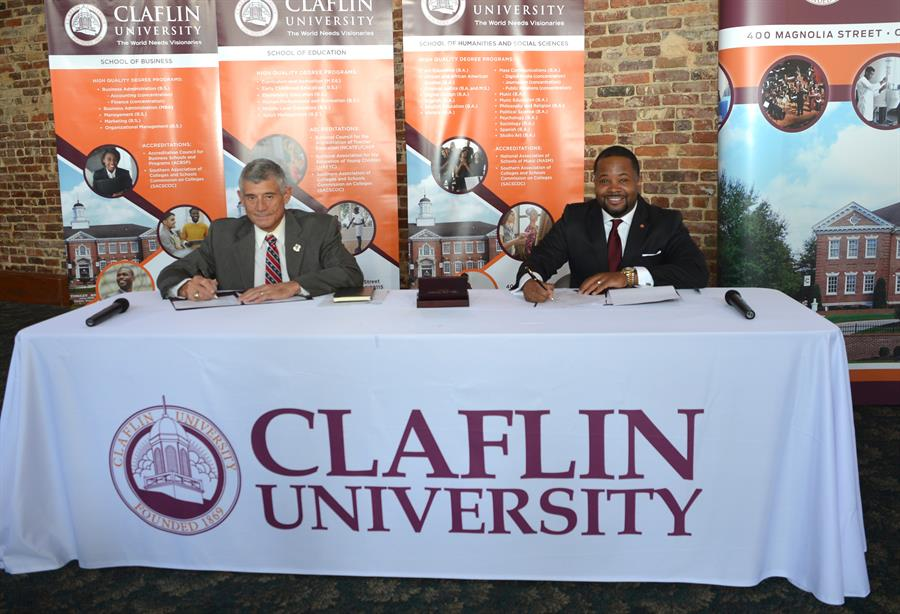 President Robert Caslen, UofSC and Dr. Dwaun J. Warmack, Claflin University